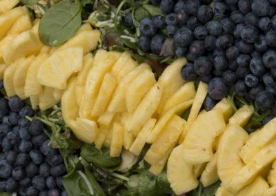 Ananas/blåbær salat